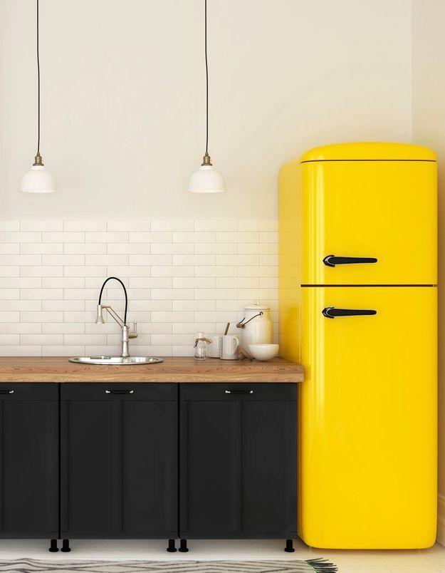 Trier les aliments dans son réfrigérateur (ceux à la date de péremption proche devant et les autres derrière)