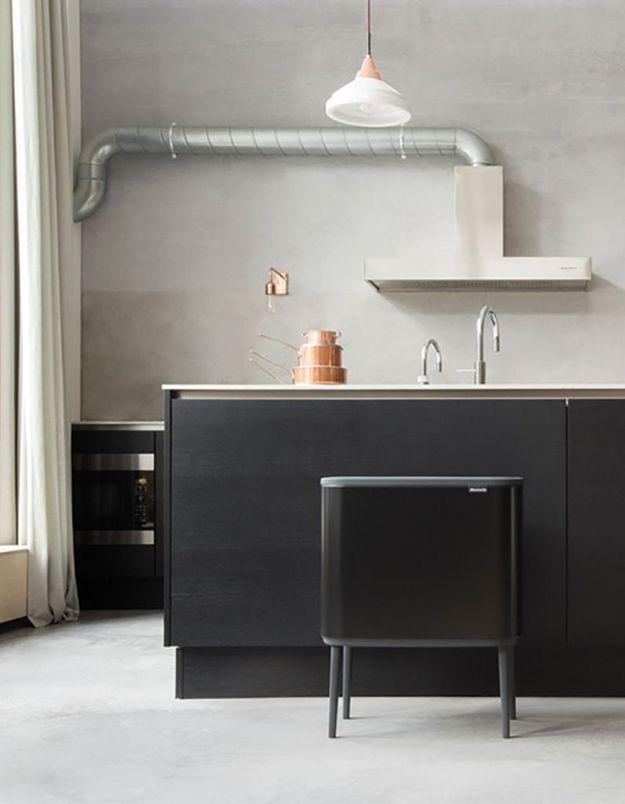 Vider les poubelles de la cuisine, du bureau et de la salle de bains