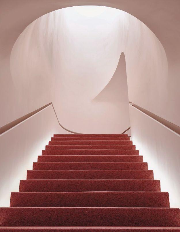 L'escalier rouge