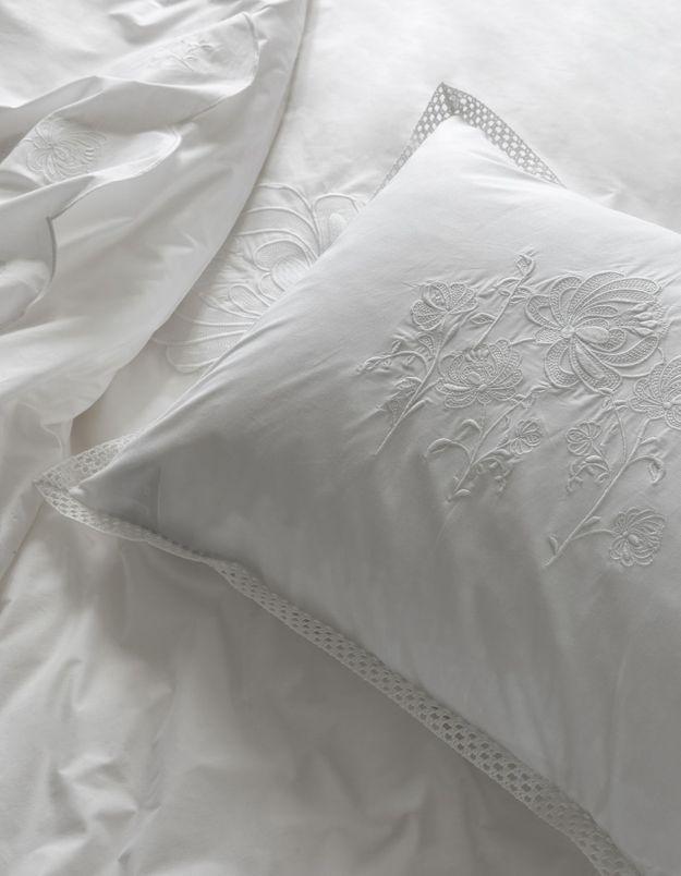 Une parure de lit Elise Hameau x Carré Blanc comme cadeau de Noël déco