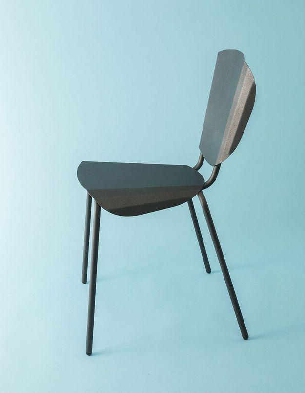 Une chaise moderne Constance Guisset pour Matière Grise