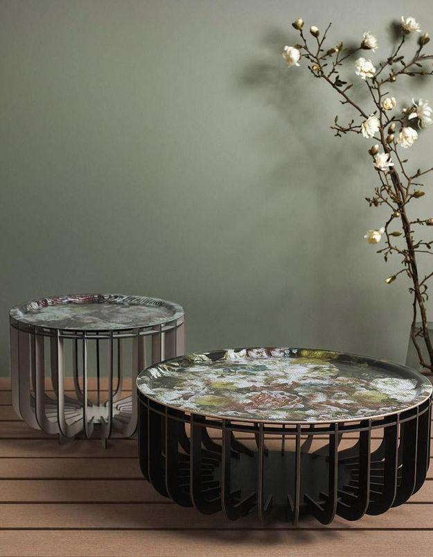 Une table basse à plateau amovible Ibride