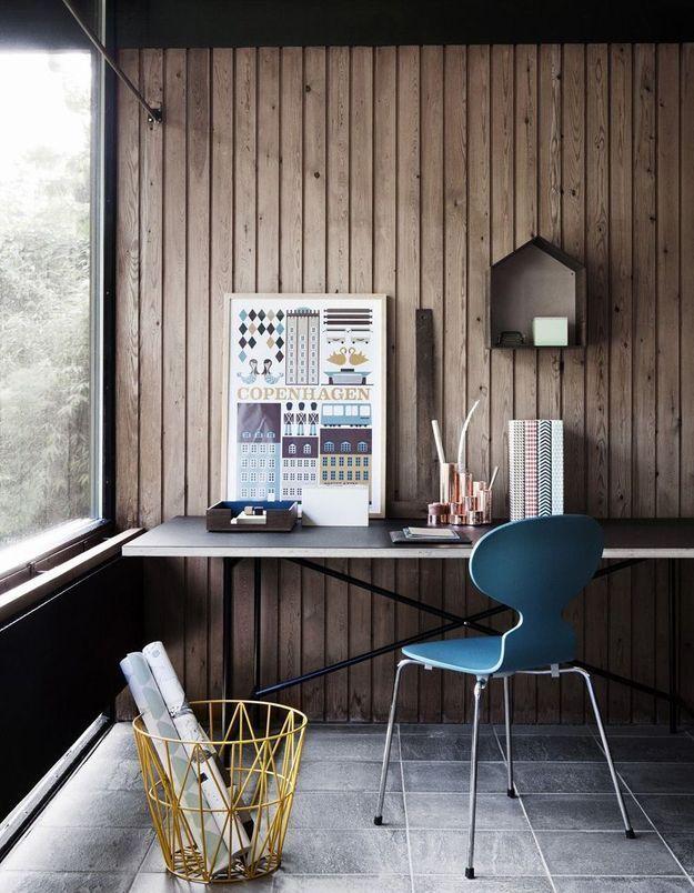 Une chaise Fourmi comme fauteuil de bureau