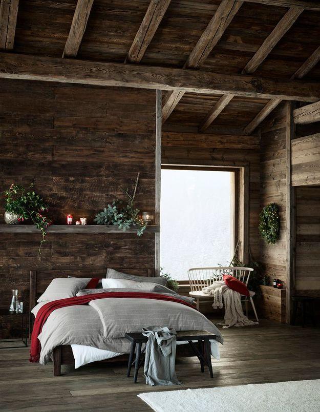 L'idée qu'on pique à la collection Noël H&M Home : investir dans un plaid rouge