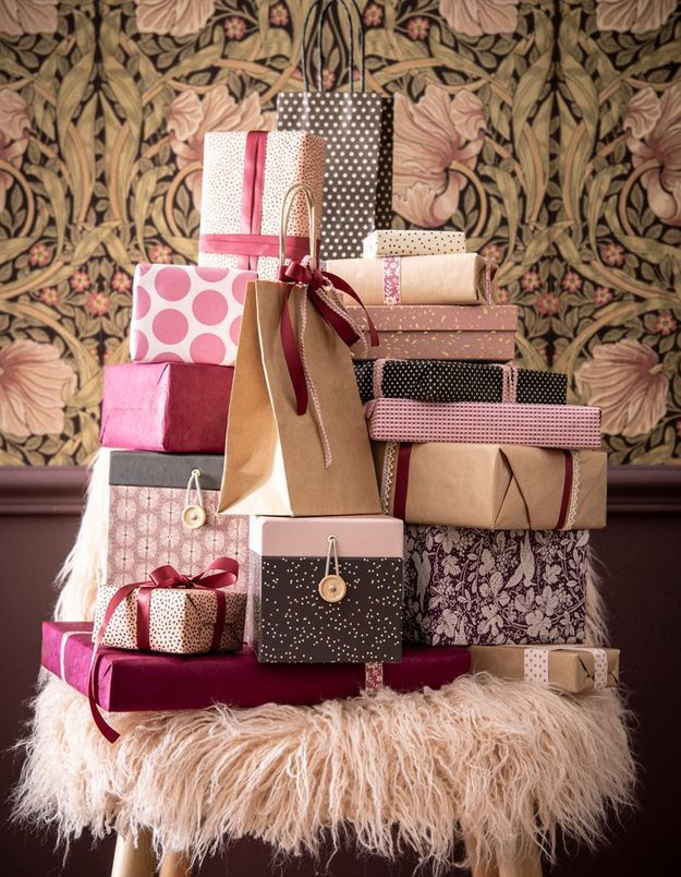 L'idée qu'on pique à la collection Noël Maisons du Monde : confectionner des paquets cadeaux roses
