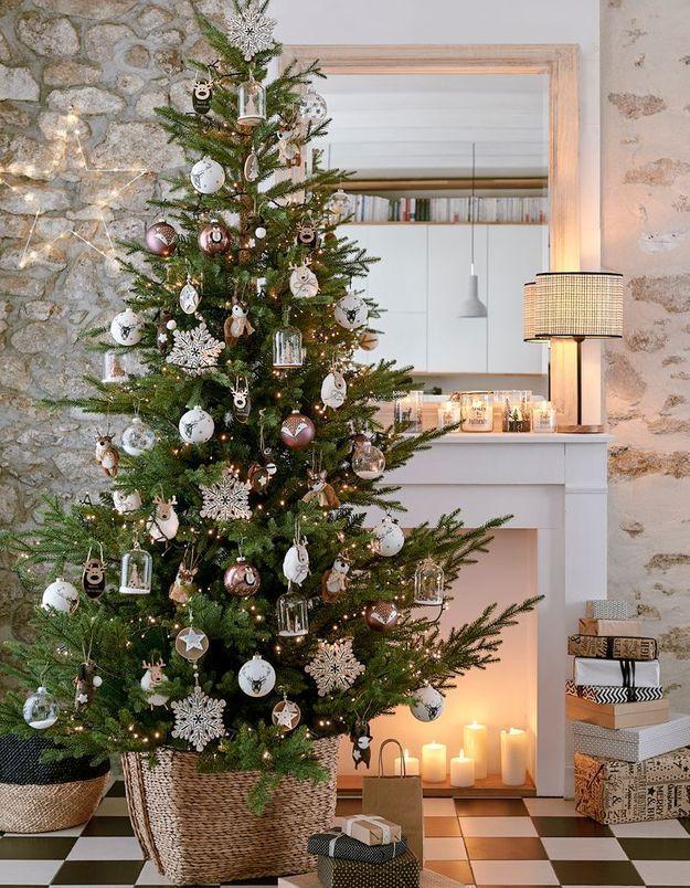 L'idée qu'on pique à la collection Noël Maisons du Monde : remplir le foyer de la cheminée de bougies