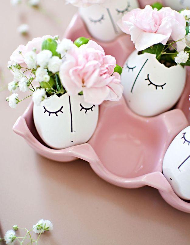 Des oeufs customisés et détournés en mini vases
