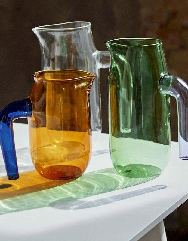 Carafe en verre teinté