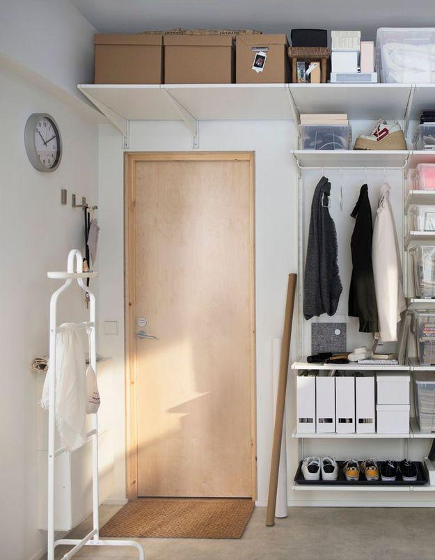 Fixer des étagères au dessus des portes