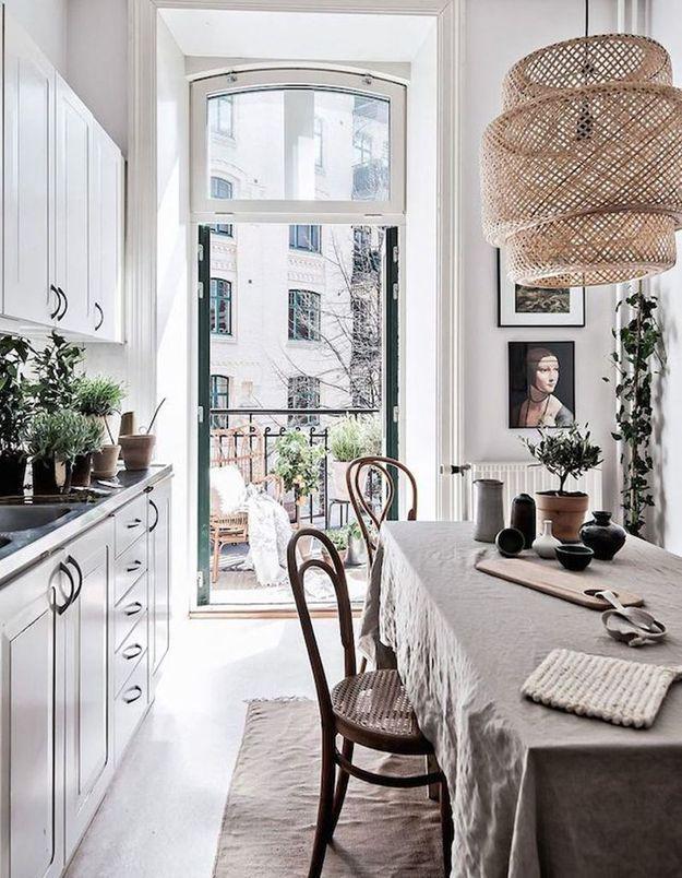 La suspension SINNERLIG dans... une cuisine complètement dans l'air du temps