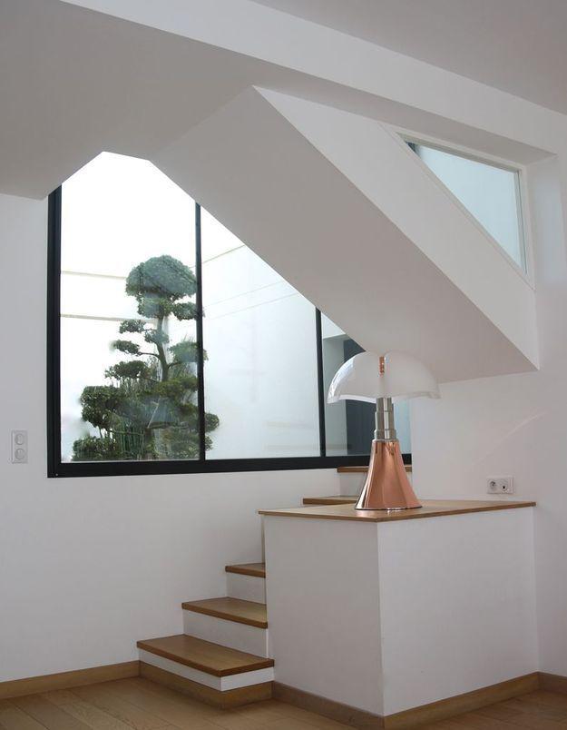 La lampe Pipistrello dans un univers minimaliste