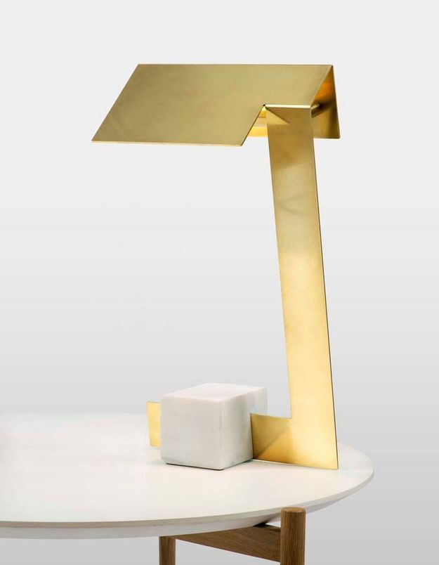 Lampe de table en marbre et laiton
