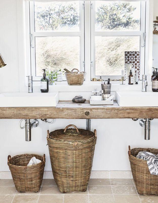La salle de bains authentique en bois