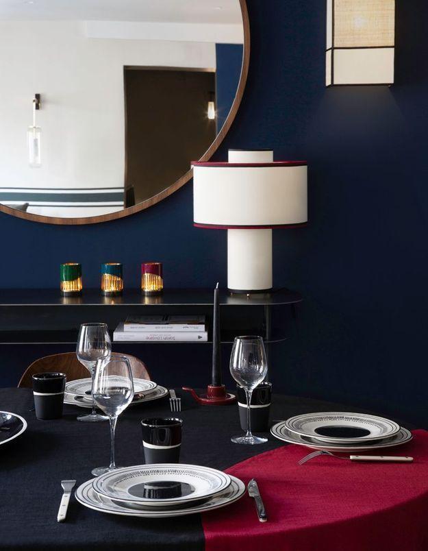 """La table rouge et noire """"Slave"""" de Maison Sarah Lavoine"""