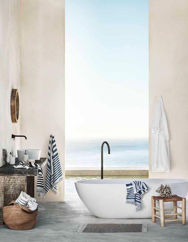 Une salle de bains qui fait la part belle à la nature