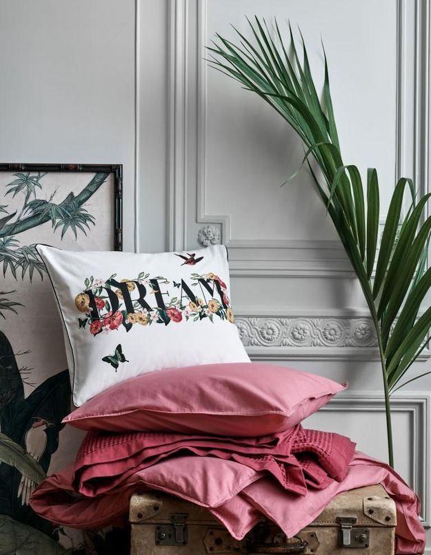 Un coussin soldé H&M Home