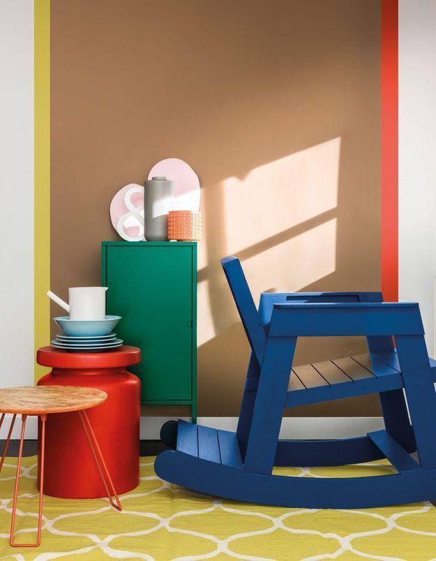 Du mobilier pour enfant repeint en bleu marine