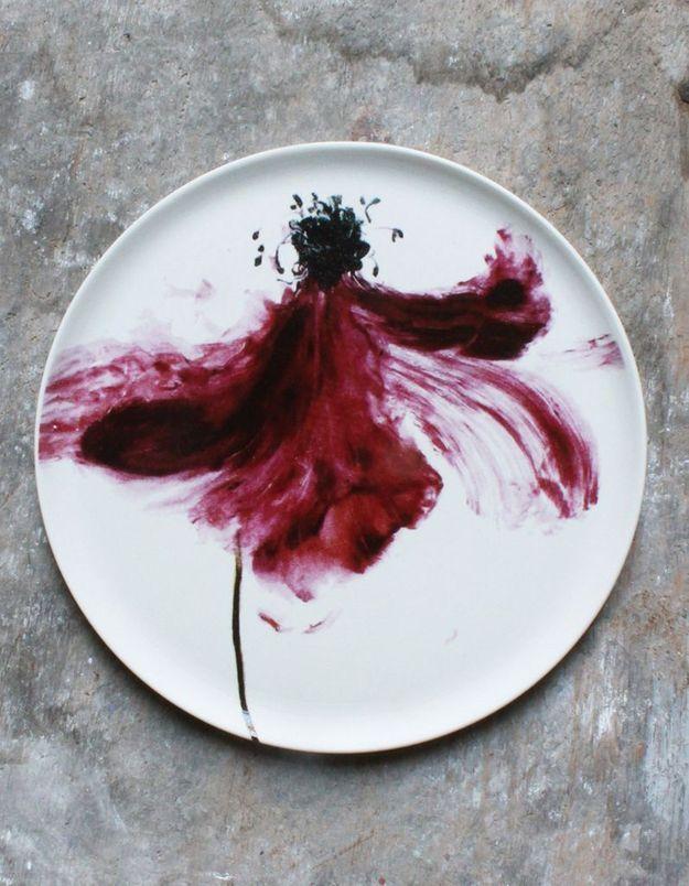 Une déco fleurie via de la vaisselle