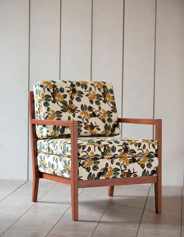 Une déco fleurie via un fauteuil