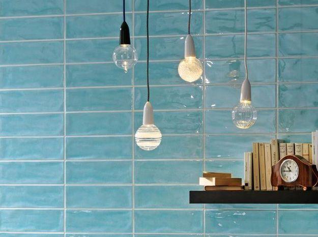Le bleu turquoise dans la salle de bains
