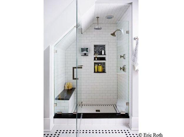 douche noire et blanche