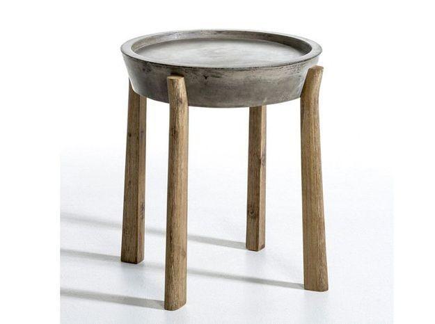 Un bout de canapé en béton et bois