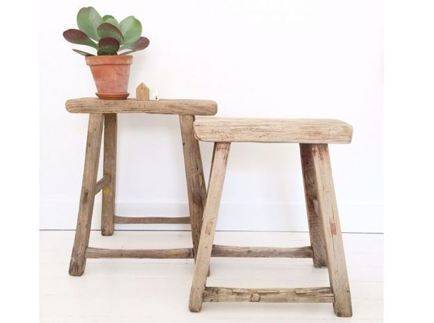 Un tabouret en bois brut pour une touche rustique chic