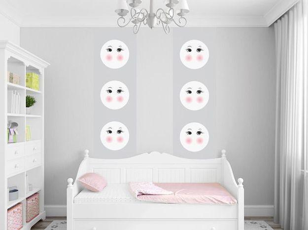 Le gris poudré dans une chambre d'enfant
