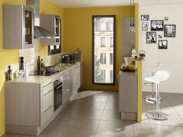 Le jaune moutarde dans la cuisine