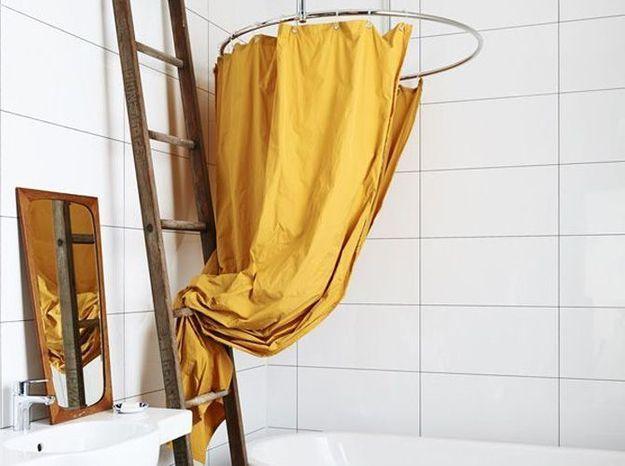 Le jaune moutarde dans la salle de bains