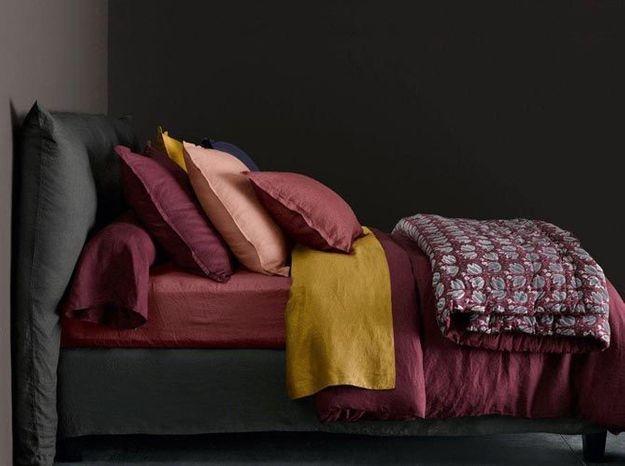 Du linge de lit en lin jaune safran