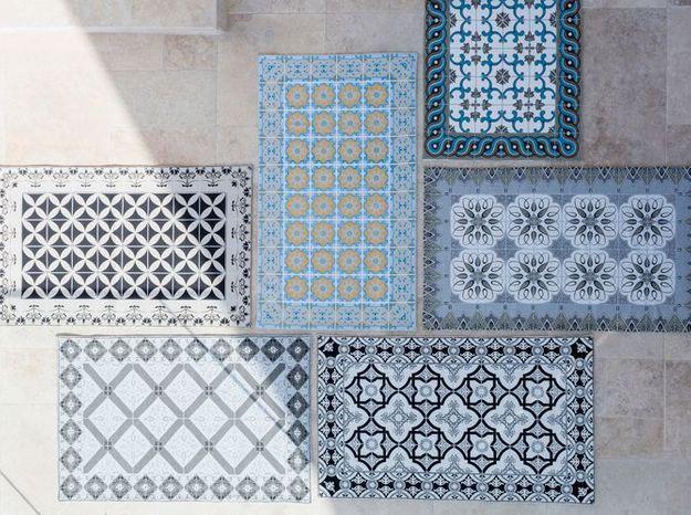 Des tapis de sol en tissu à motif carreaux de ciment
