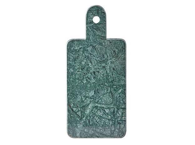 Une planche à découper en marbre vert