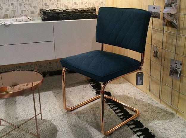 La chaise au piétement cuivré de Zuiver