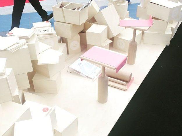 La collaboration entre Made in Design et Designer Box pour une petite table designée par Bina Baitel