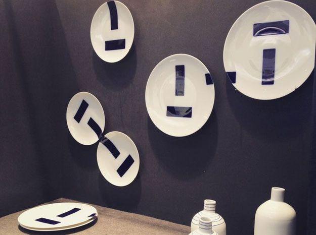 Les assiettes bleu encre de Eric Hibelot pour TH Manufacture