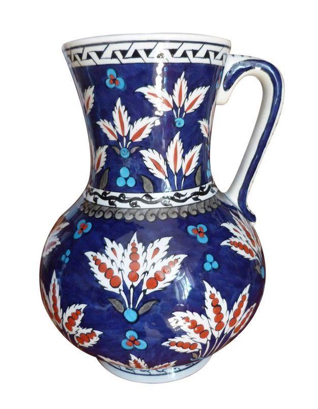 Pichet en céramique d'Iznik