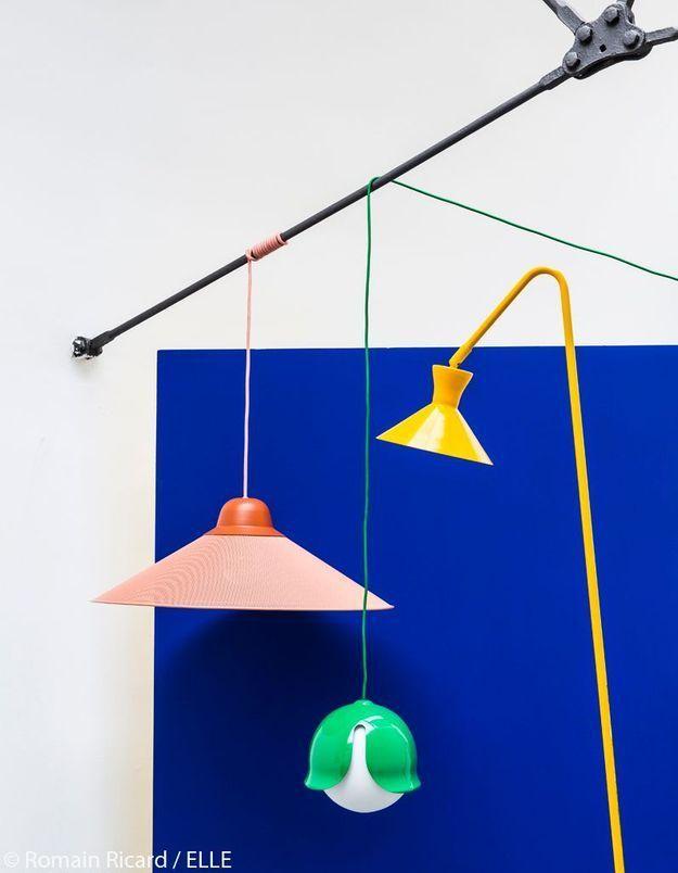 Luminaires industriels colorés