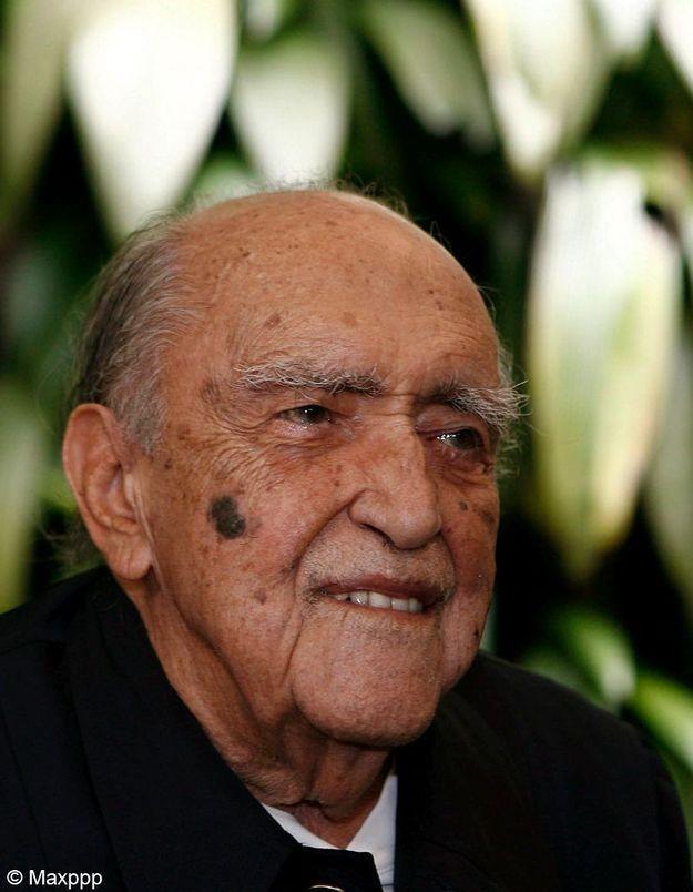 Mort d'Oscar Niemeyer : vague d'hommages en France