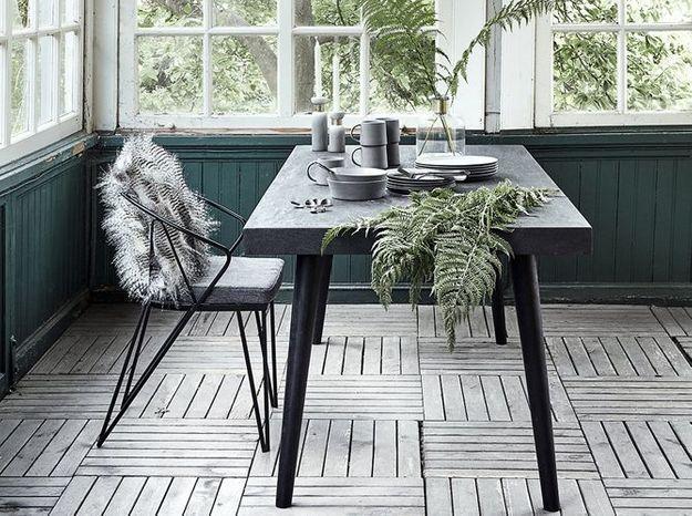 Une table imposante et pleine de style