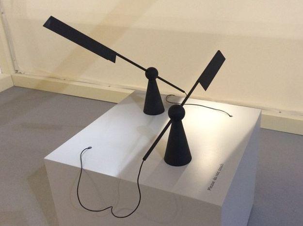 Lampe de table noire earnest studio