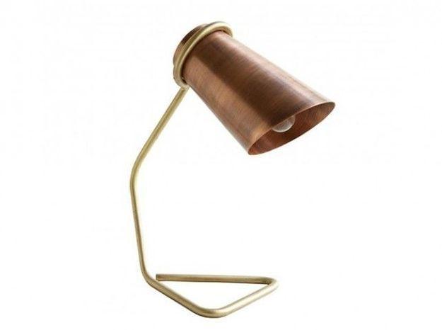 Une lampe bi-matière cuivre et laiton