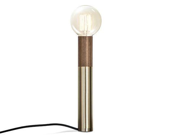 Une lampe de table ultra minimaliste