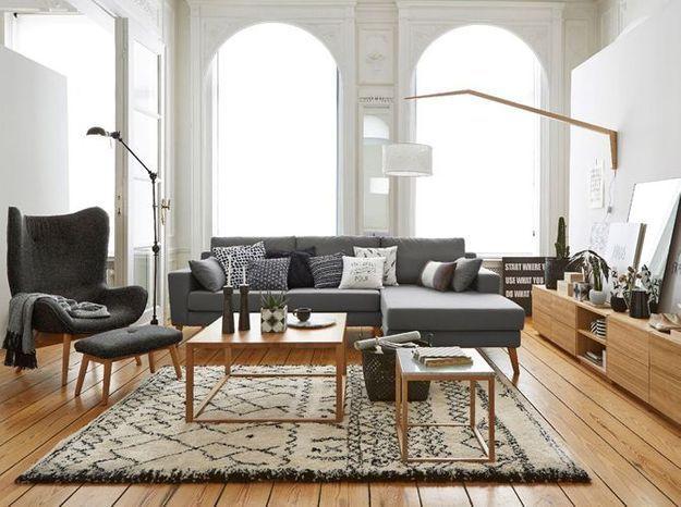 Du mobilier design et un parquet en bois massif pour un style classique revisité