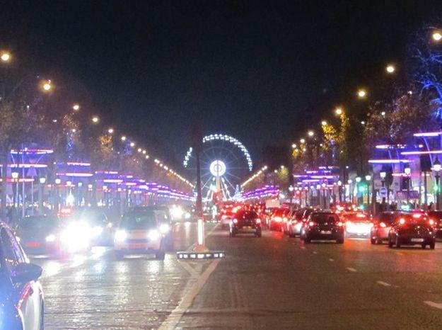 Les Champs-Elysées (1)
