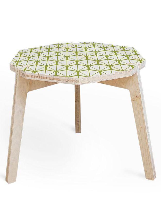 Petite table à café en épicéa sérigraphié, Mademoiselle Dimanche, collection Quartz