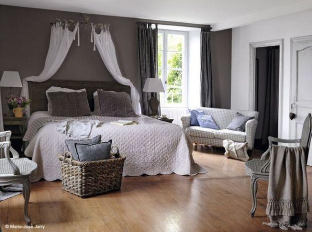 la chambre se refait une beaut elle d coration. Black Bedroom Furniture Sets. Home Design Ideas
