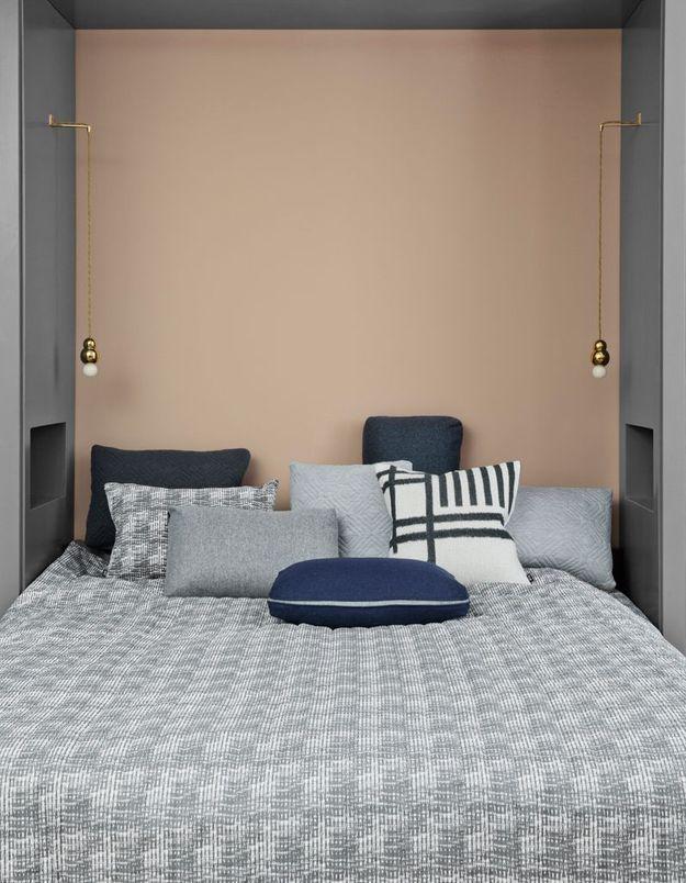 Placer son lit dans une niche pour une chambre cocooning