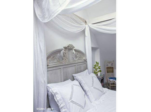 Chambre romantique baldaquin