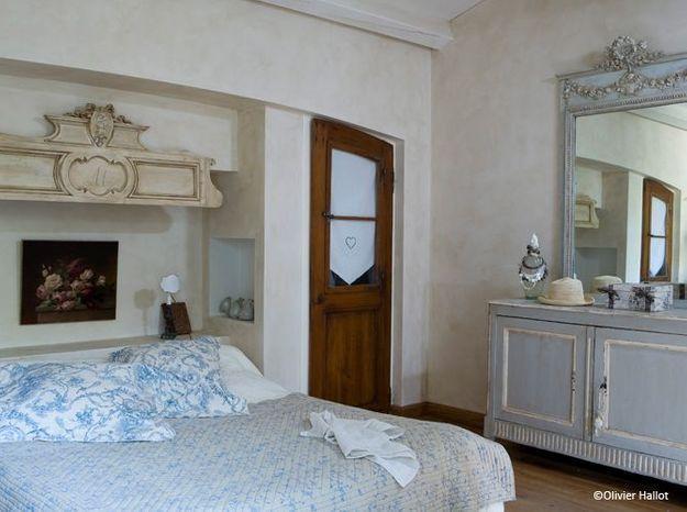 Chambre romantique linge toile de jouy